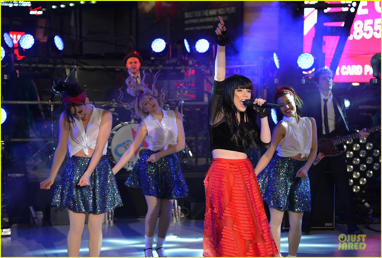 carly rae jepsen dick clark's new year rockin eve with ryan seacrest 19