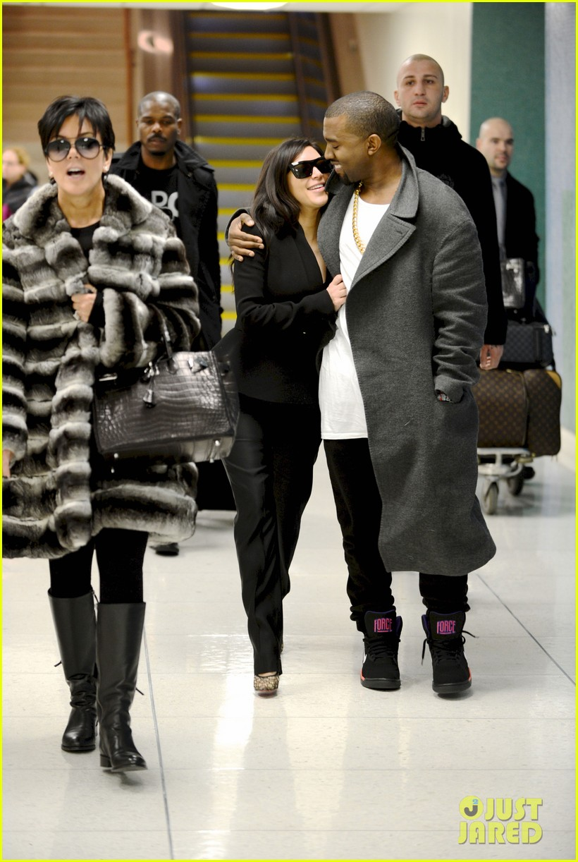 kim kardashian pregnant first sighting with kanye west 01