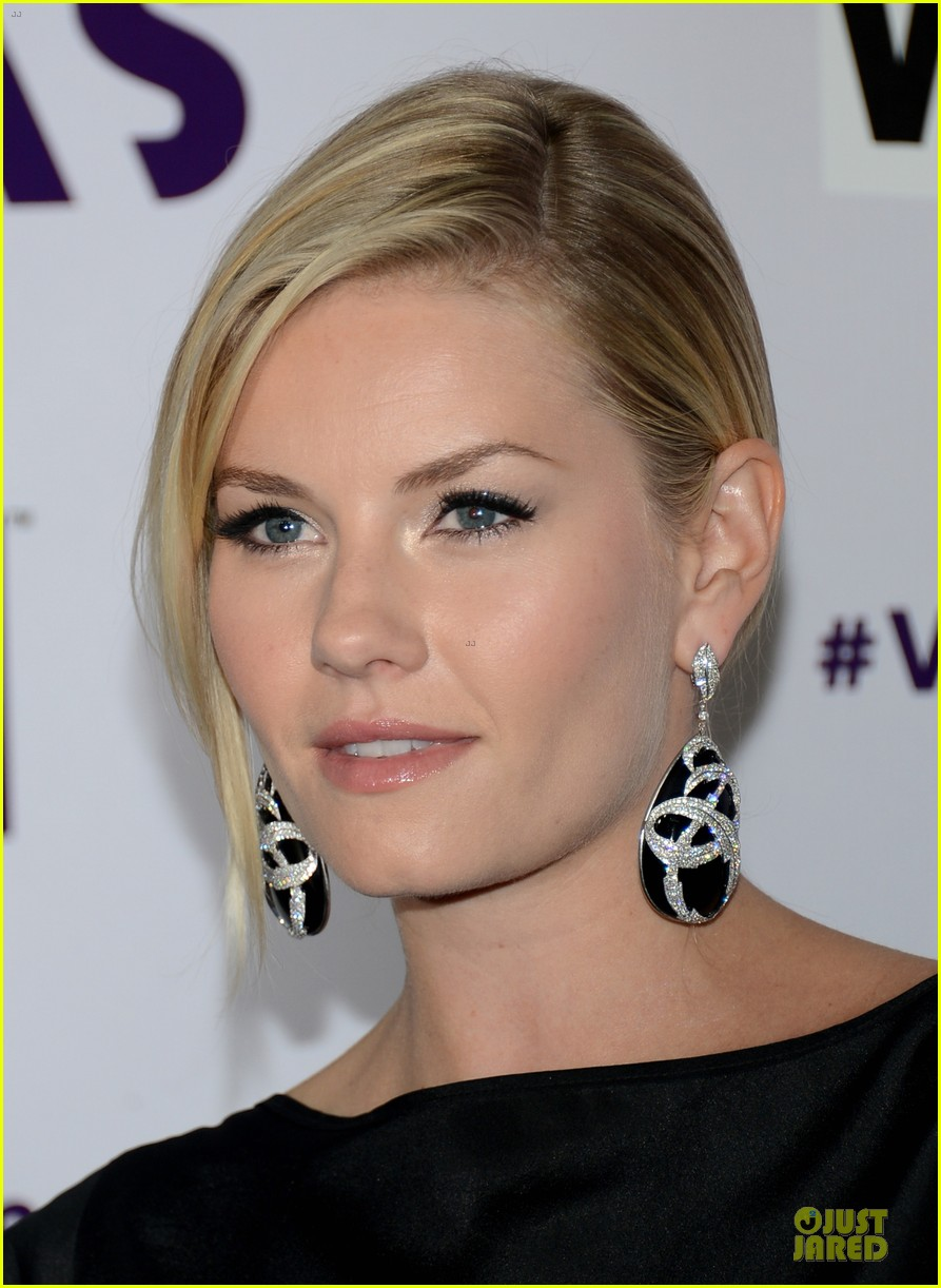 stacy keibler & elisha cuthbert vh1 divas red carpet 212777032