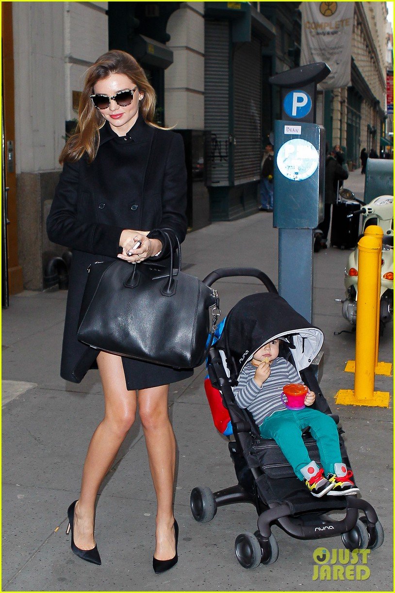 miranda kerr manhattan business mom 08
