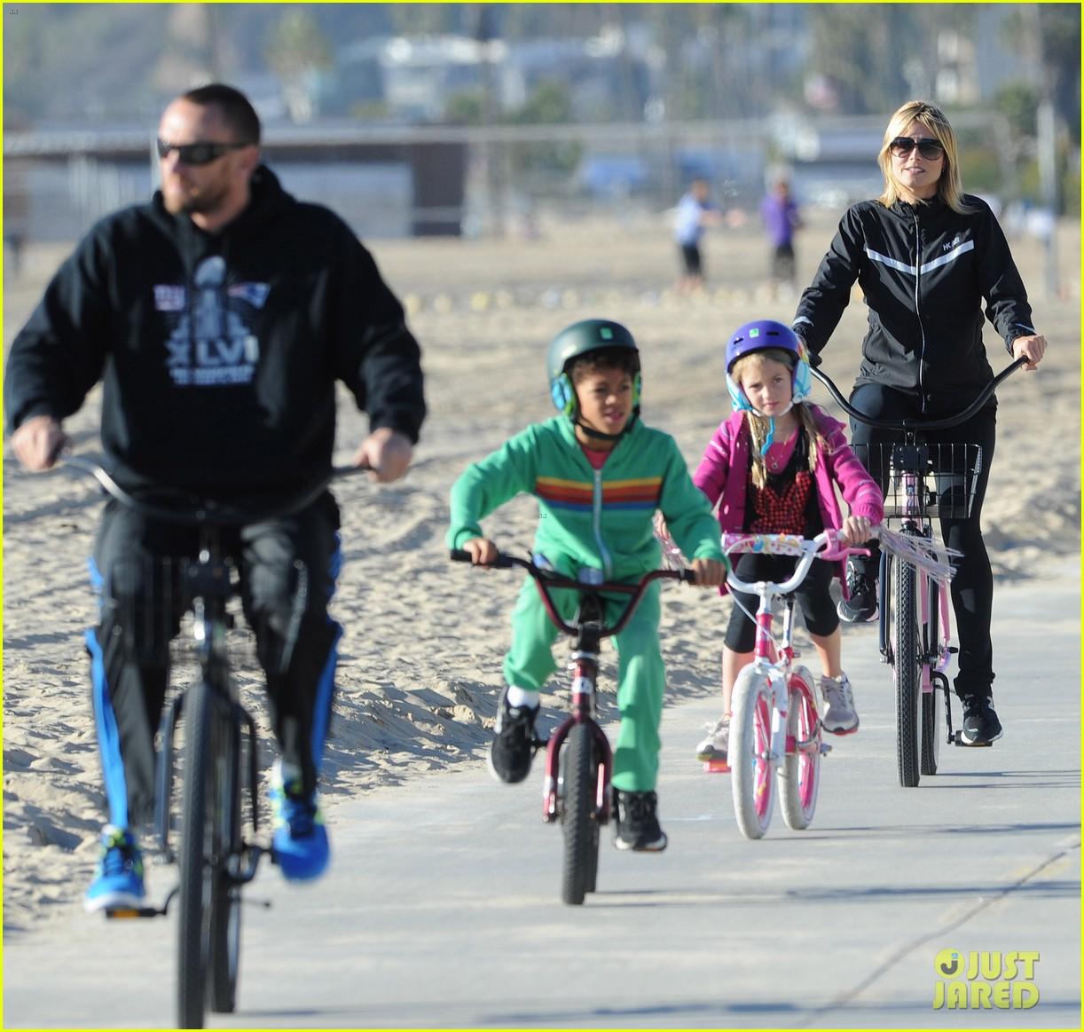 heidi klum martin kristen bike rides family 10