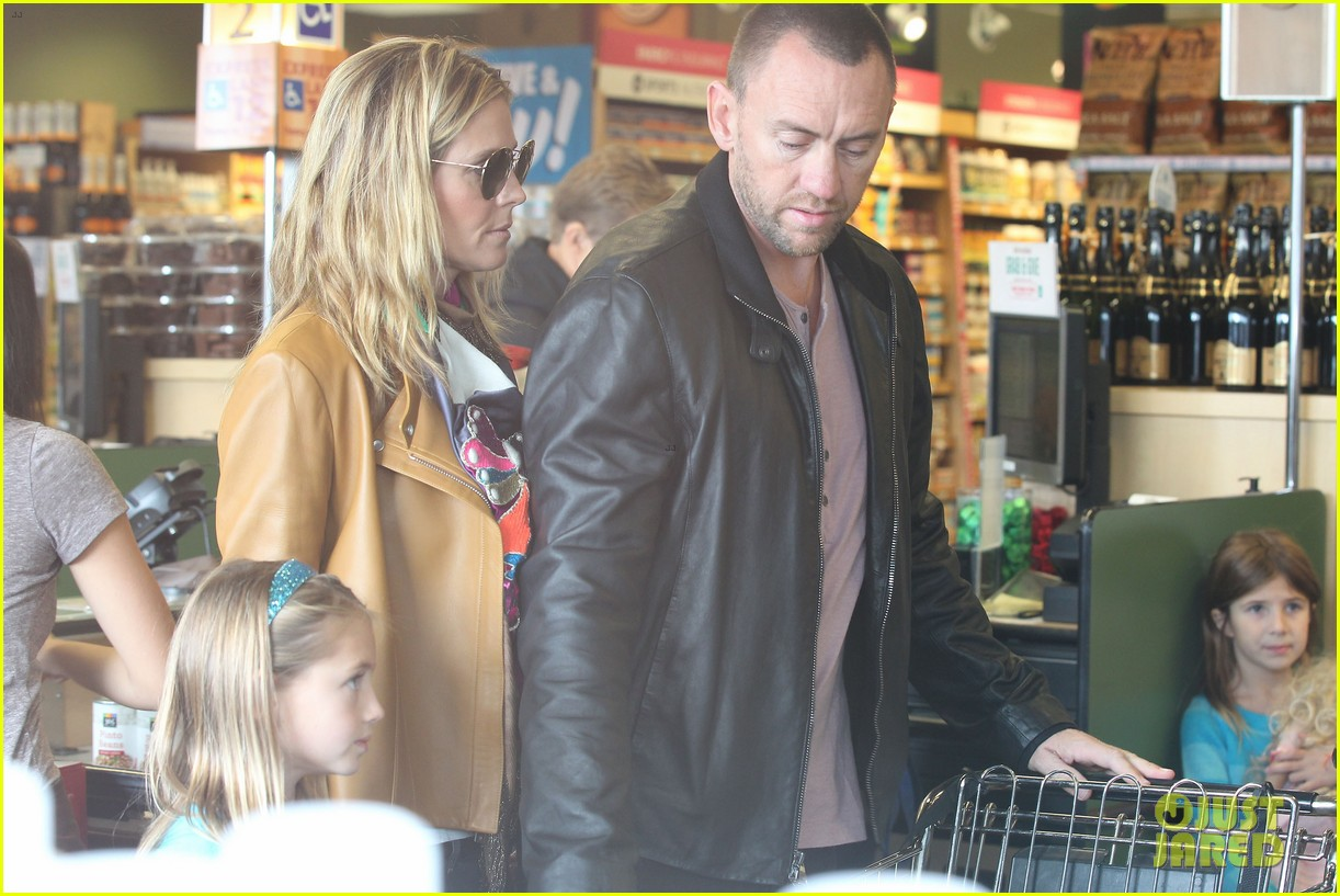 heidi klum martin kirsten grocery shopping with girls 092782555