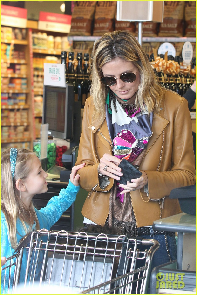 heidi klum martin kirsten grocery shopping with girls 11