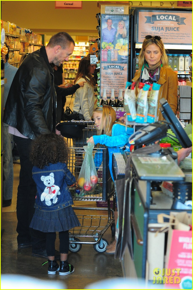 heidi klum martin kirsten grocery shopping with girls 44