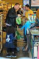 heidi klum martin kirsten grocery shopping with girls 33