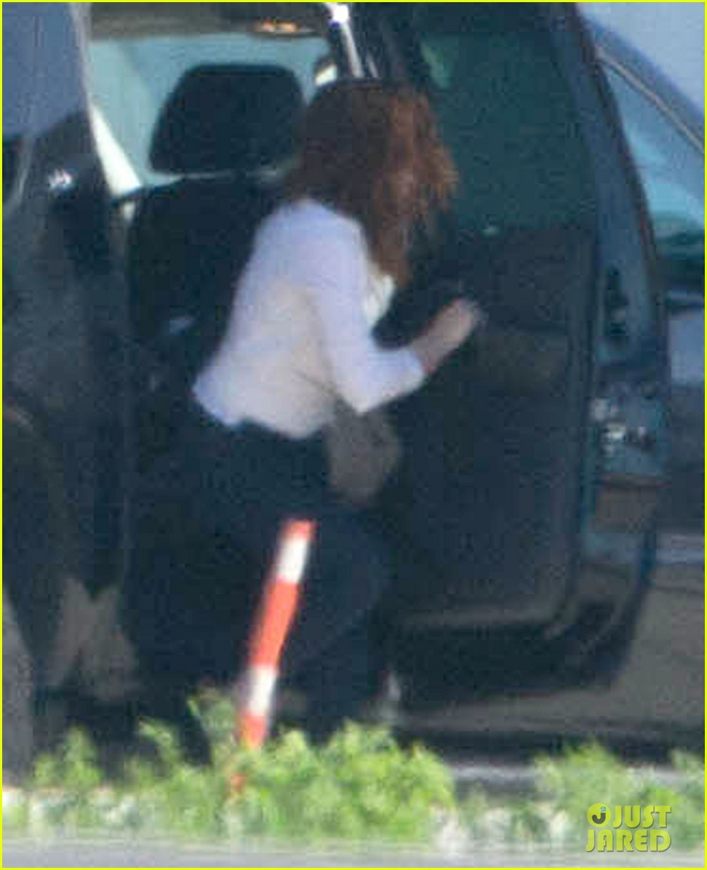 kristen stewart private jet takeoff in los angeles 012774186