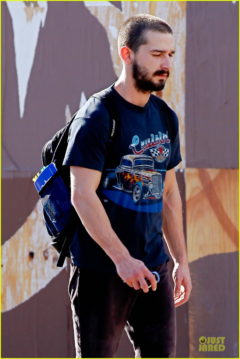 shia labouf cruisin to the gym 022778097