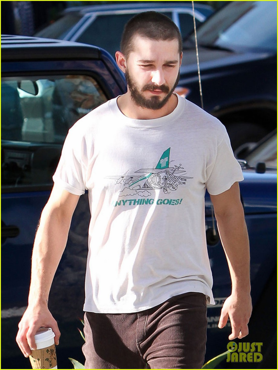 shia labeouf takes mia goth shopping 042779441