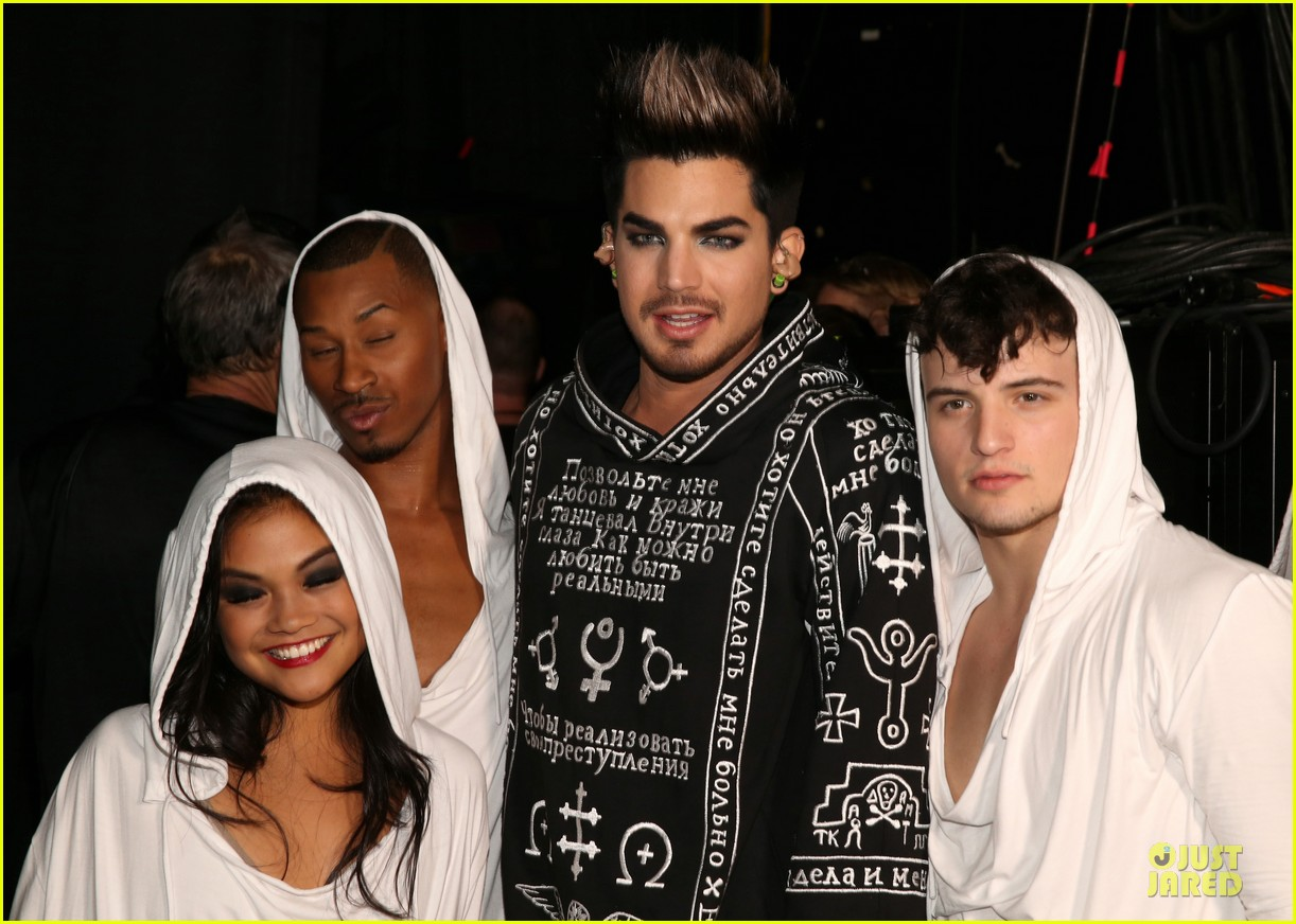 adam lambert vh1 divas performances watch now 212777118