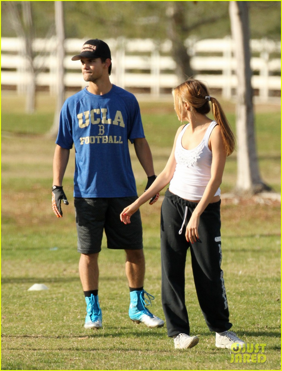 taylor lautner patrick schwarzenegger football fun 05