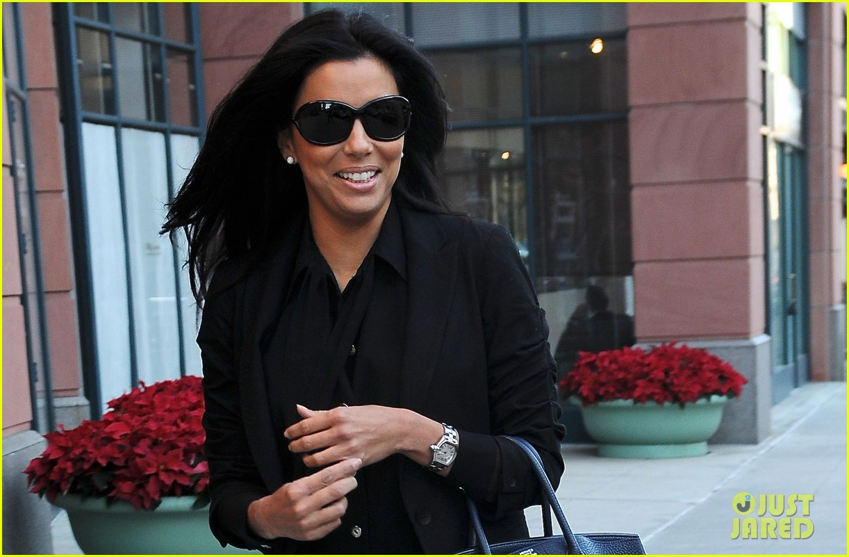 eva longoria anastasia salon beauty day 022778324