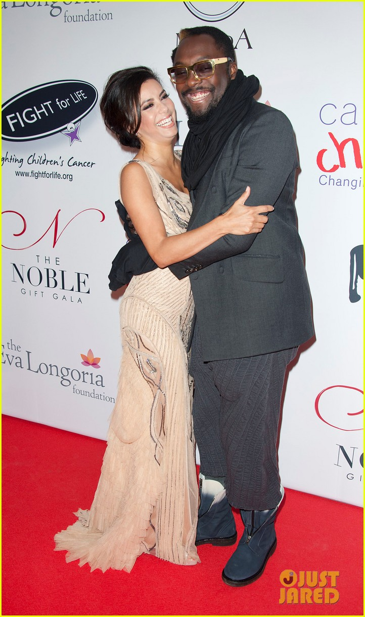 eva longoria noble gift gala with will i am 07