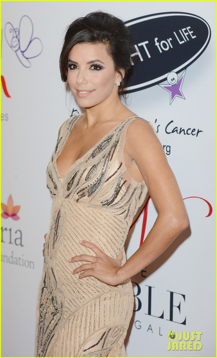 eva longoria noble gift gala with will i am 12
