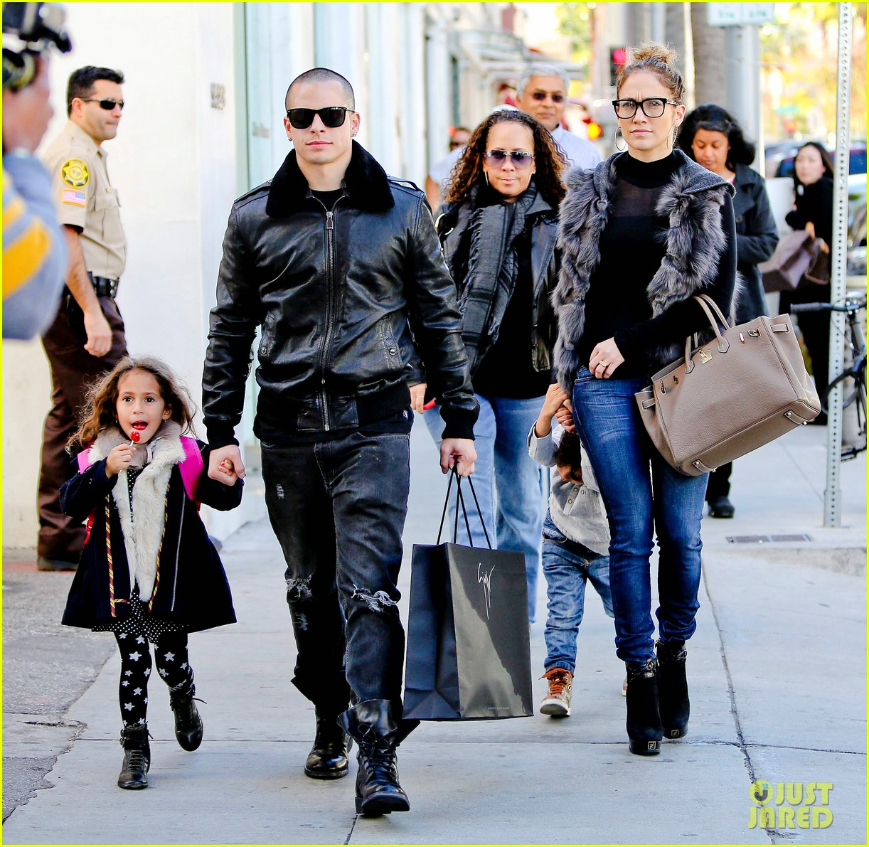 jennifer lopez casper smart beverly hills shopping with the kids 122781478