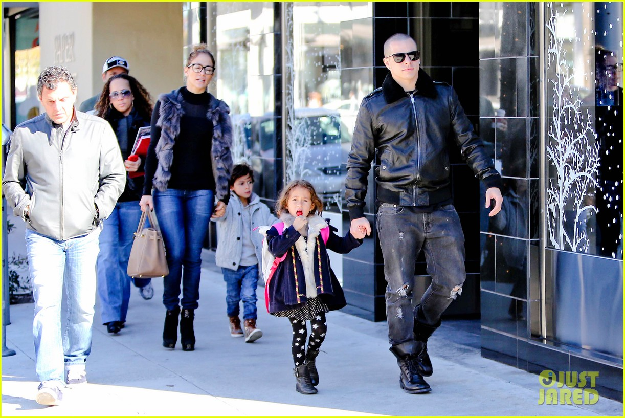 jennifer lopez casper smart beverly hills shopping with the kids 292781495