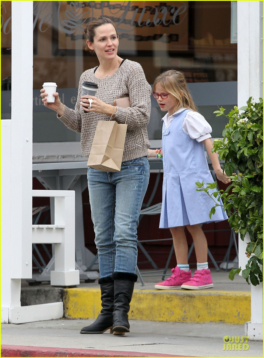jennifer garner louises dinner with violet 182778124