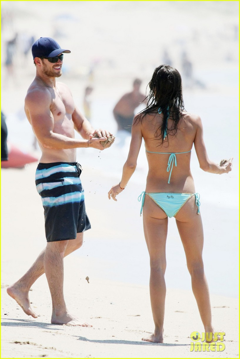 kellan lutz shirtless beach day with sharni vinson 21