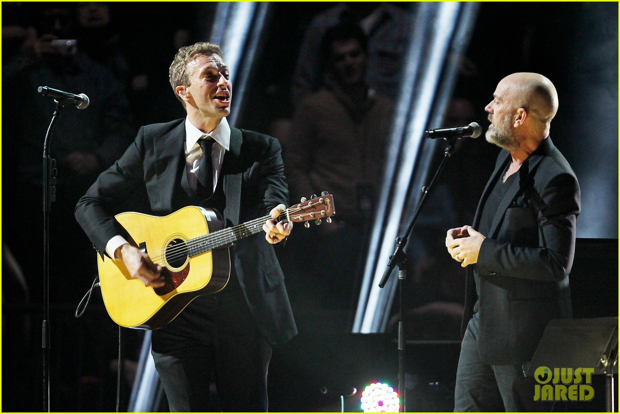 chris martin 12 12 12 concert for sandy relief 14