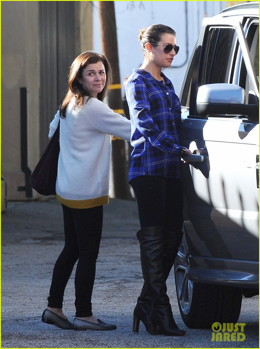 lea michele hair salon with mom edith 03
