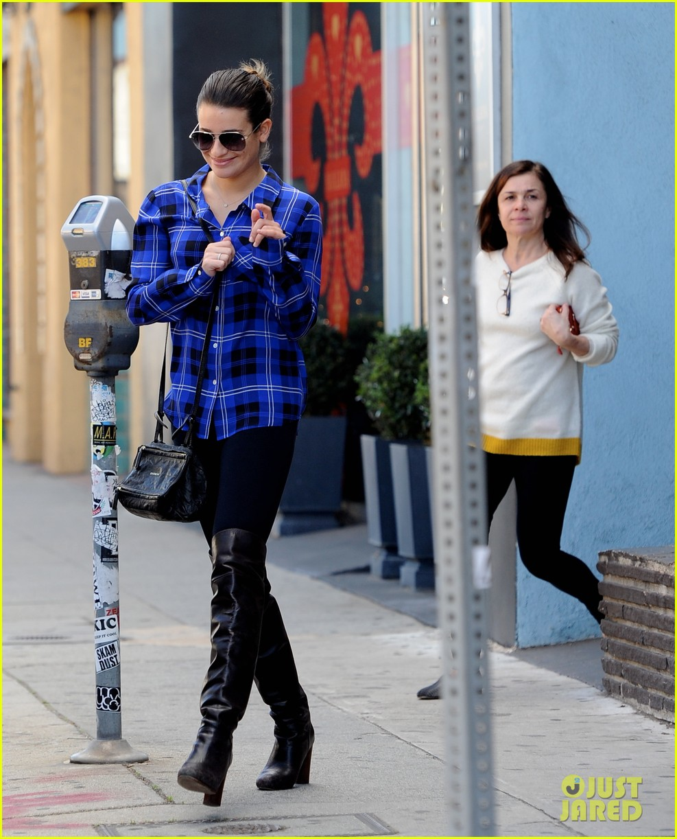 lea michele hair salon with mom edith 06