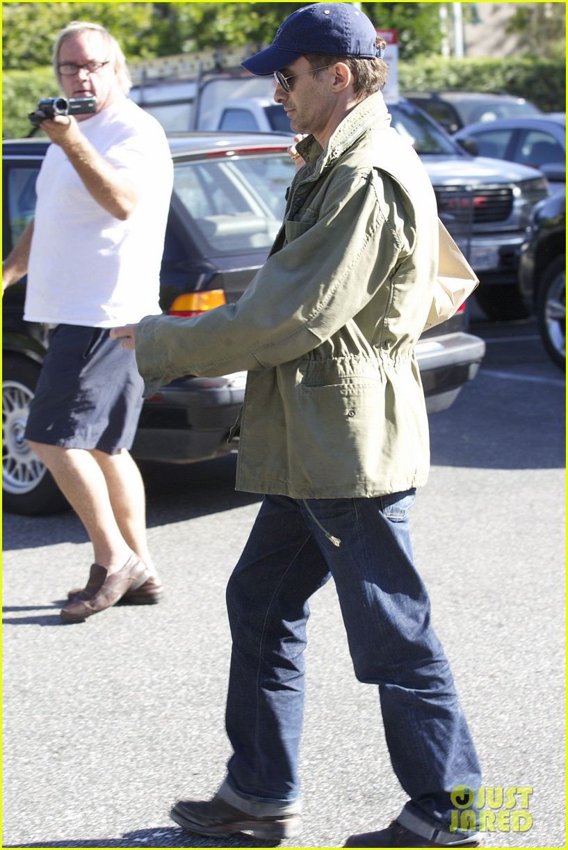 olivier martinez monday grocery run 04