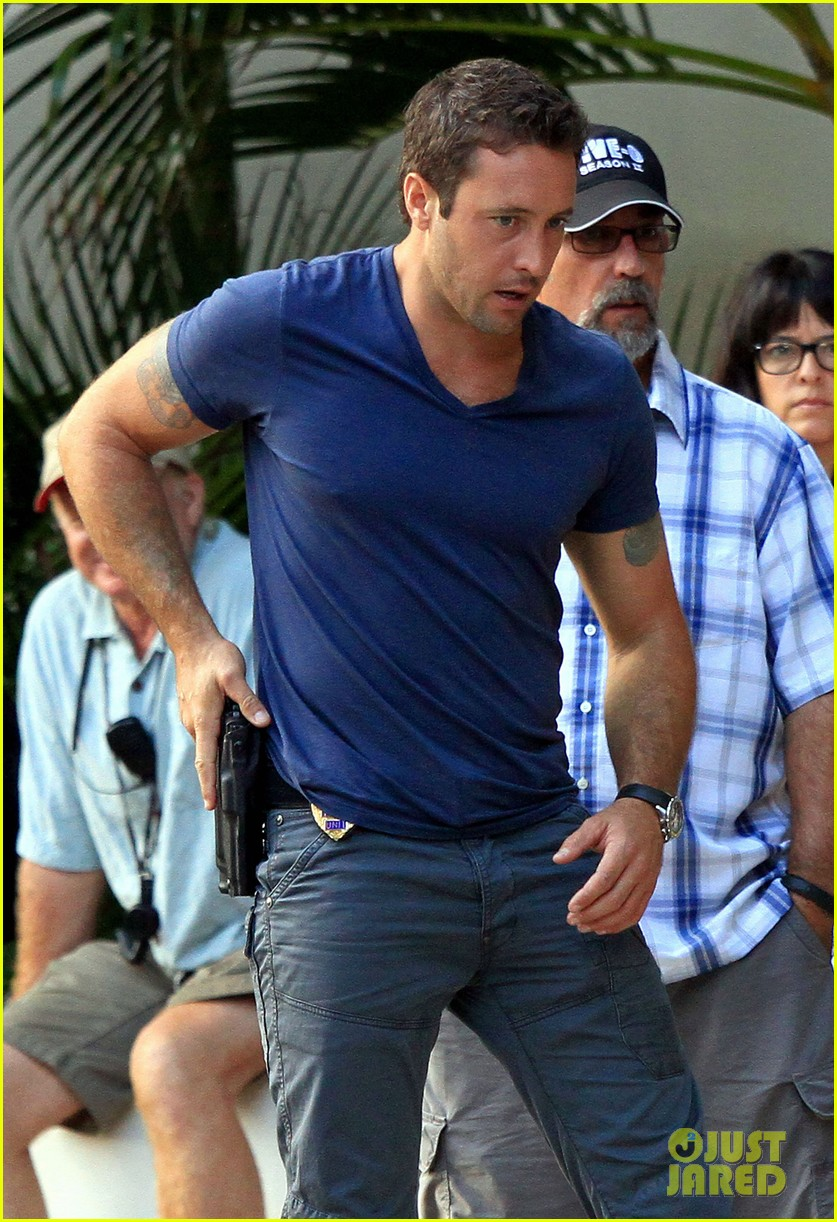 alex oloughlin hawaii feels like australia to me 02