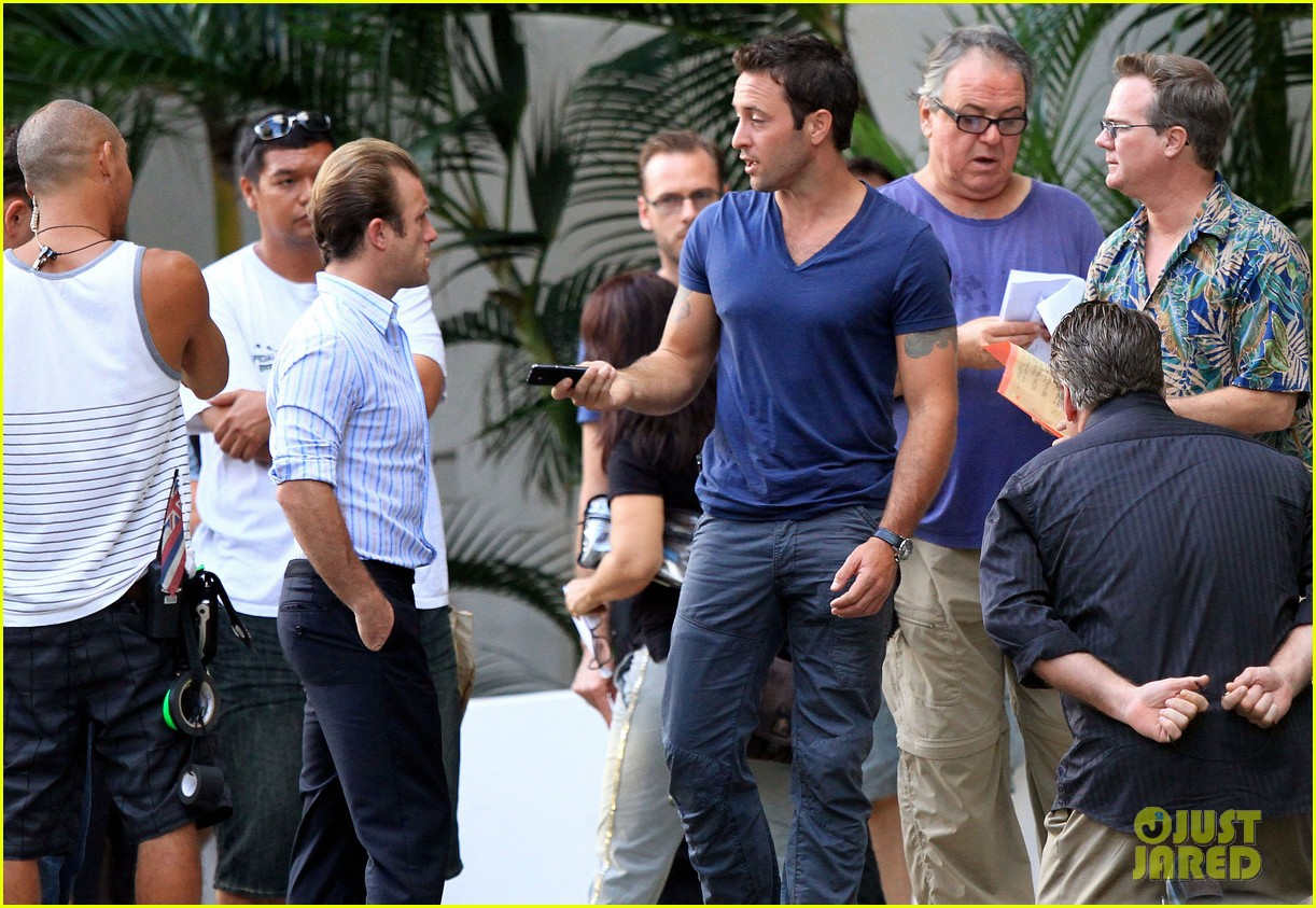 alex oloughlin hawaii feels like australia to me 202770948
