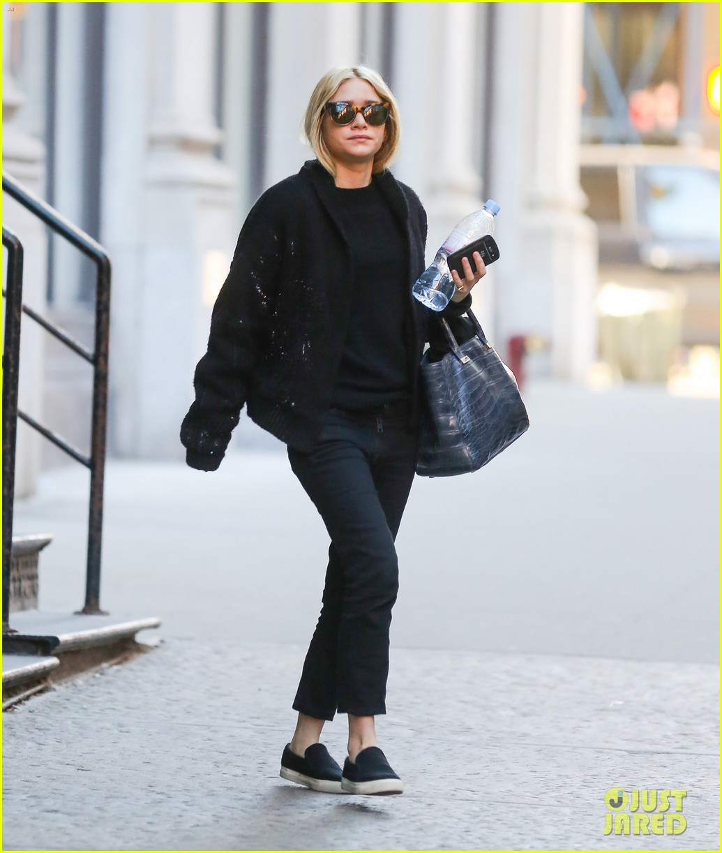 ashley olsen saturday stroll in nyc 032776798