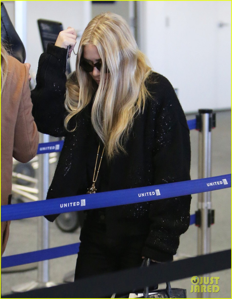 mary kate ashley olsen holidays with the family 042775899