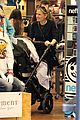 anna paquin stephen moyer holiday shopping with the twins 19