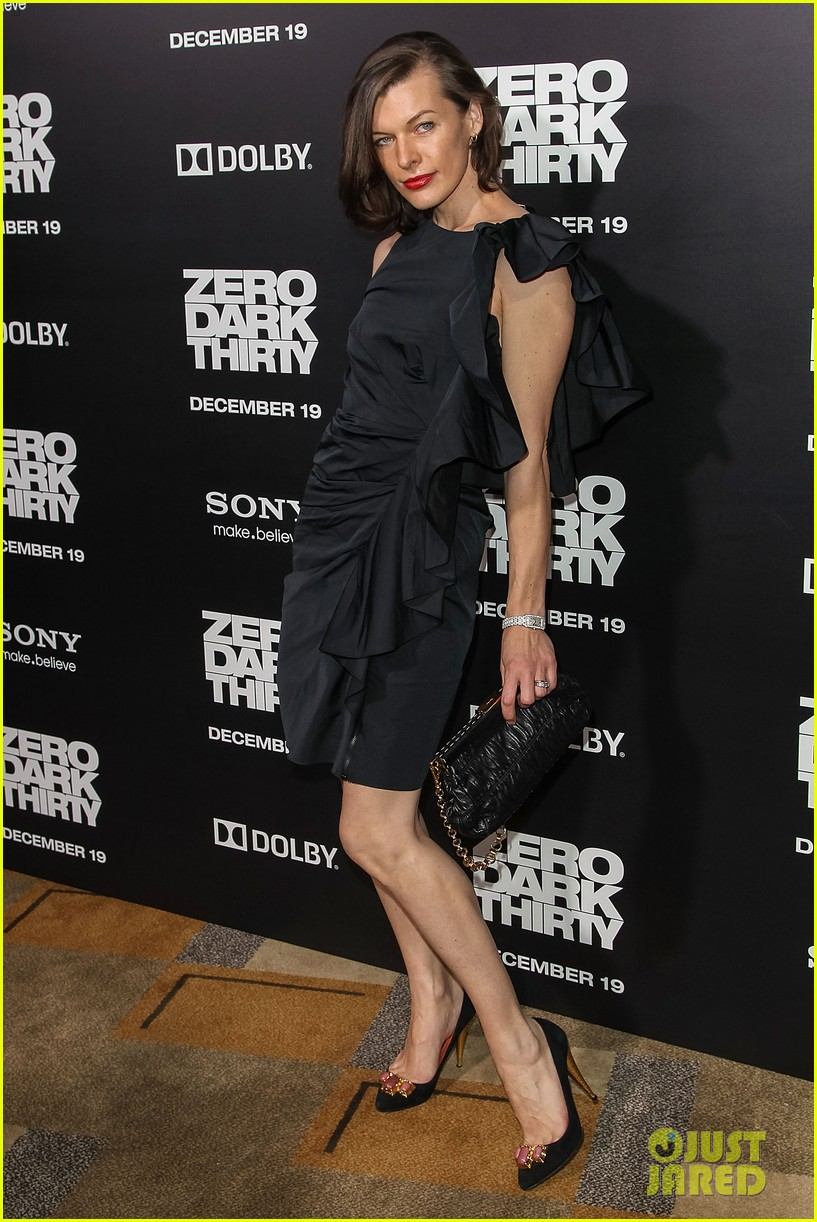 aaron paul milla jovovich zero dark thirty premiere 11