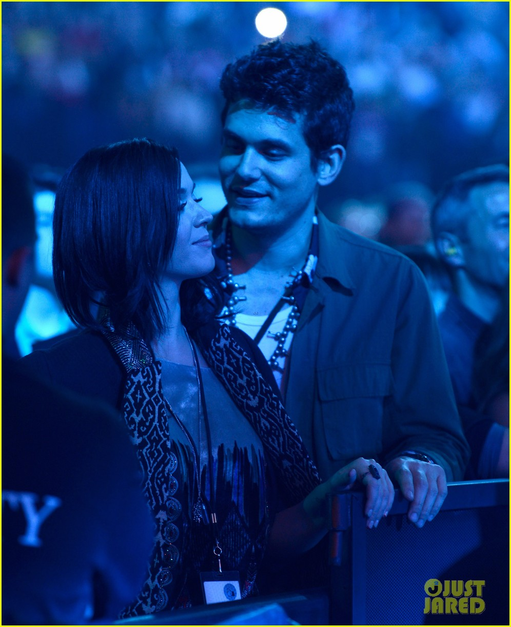 katy perry john mayer rolling stone concert couple 052775797