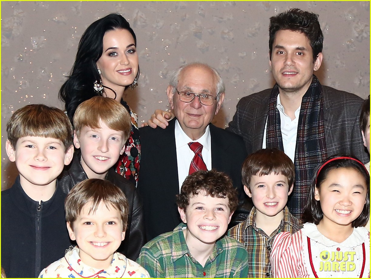 katy perry john mayer christmas story backstage visit 12