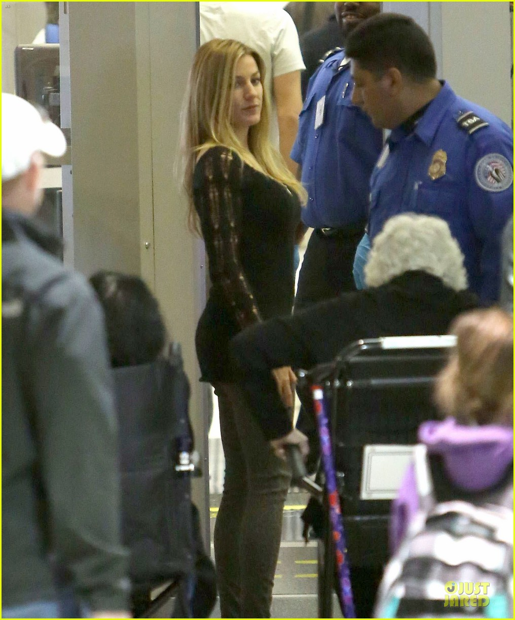 dennis quaid lax departure with a mystery woman 03