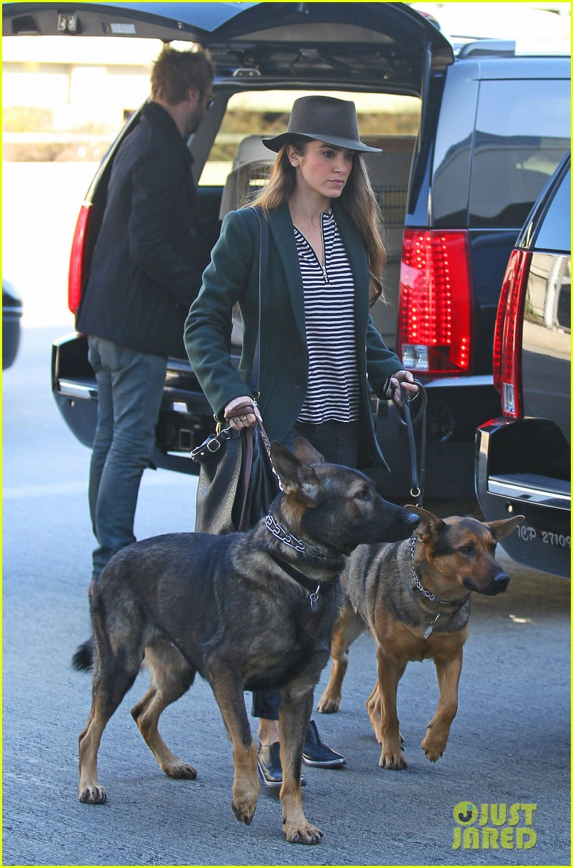 nikki reed paul mcdonald airport with pups 082773473