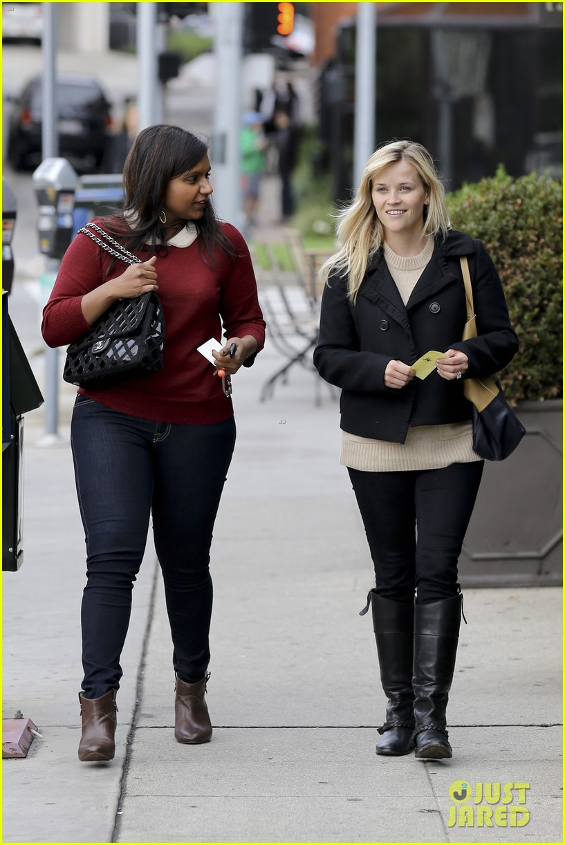 mindy kaling reese witherspoon lunch 05