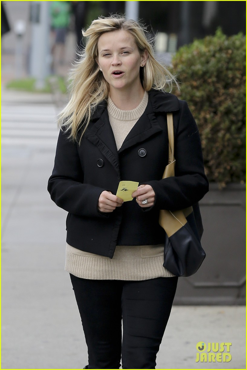 mindy kaling reese witherspoon lunch 13