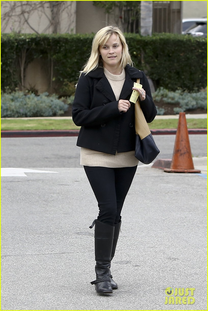 mindy kaling reese witherspoon lunch 23