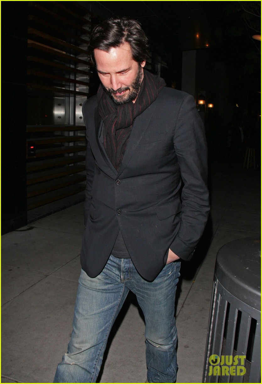 keanu reeves peace out 2012 082782875