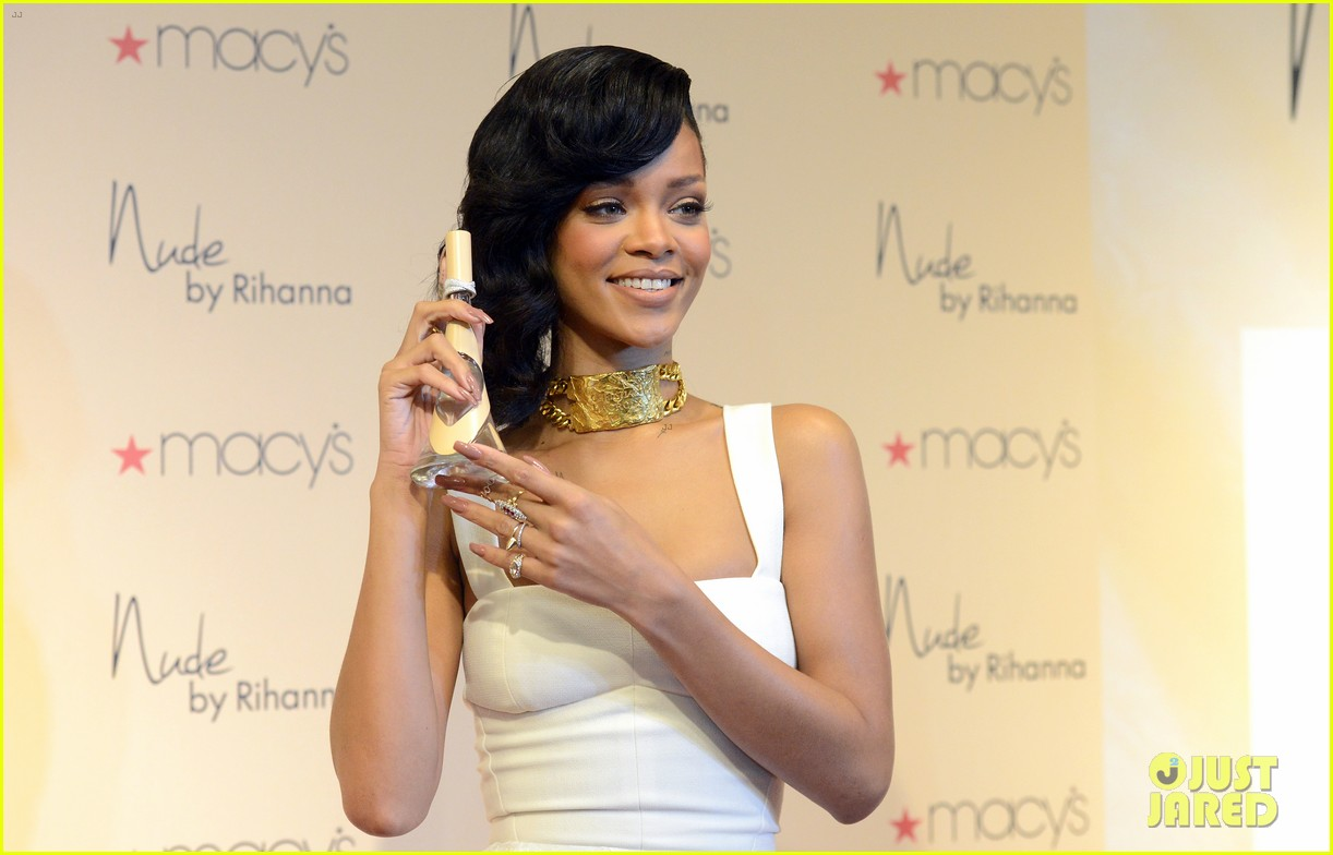 rihanna nude fragrance launch 09