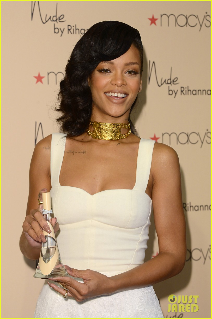 rihanna nude fragrance launch 30