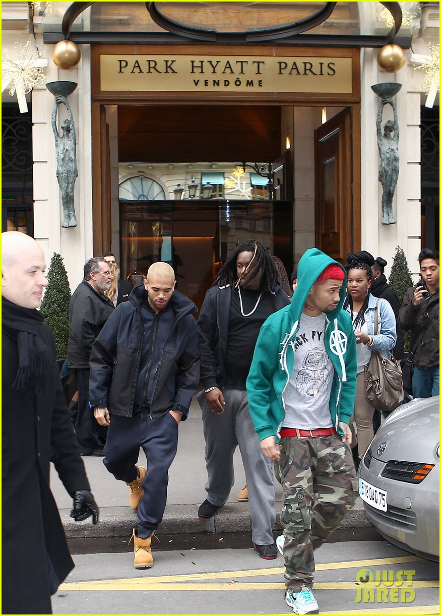 rihanna chris brown separate paris outings 042772885