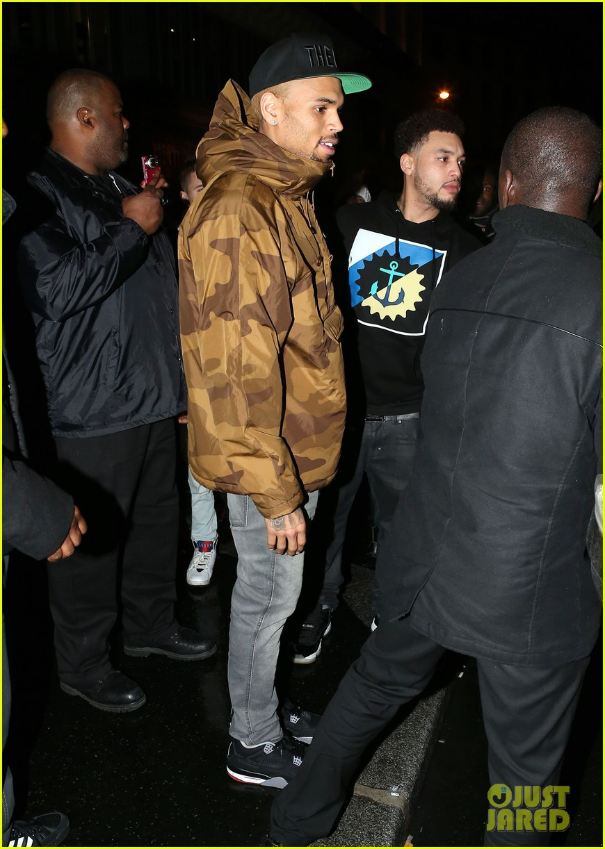 rihanna chris brown separate paris outings 16