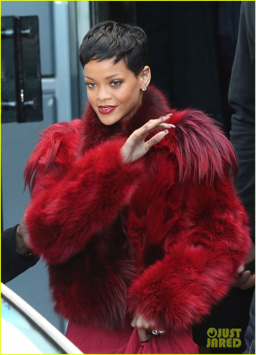 rihanna chris brown separate paris outings 20