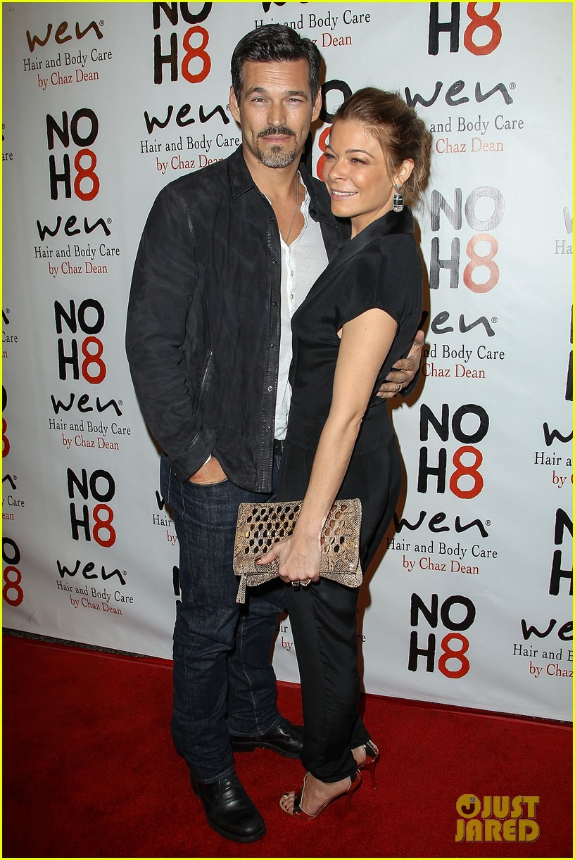leann rimes eddie cibrian noh8 party kisses 01