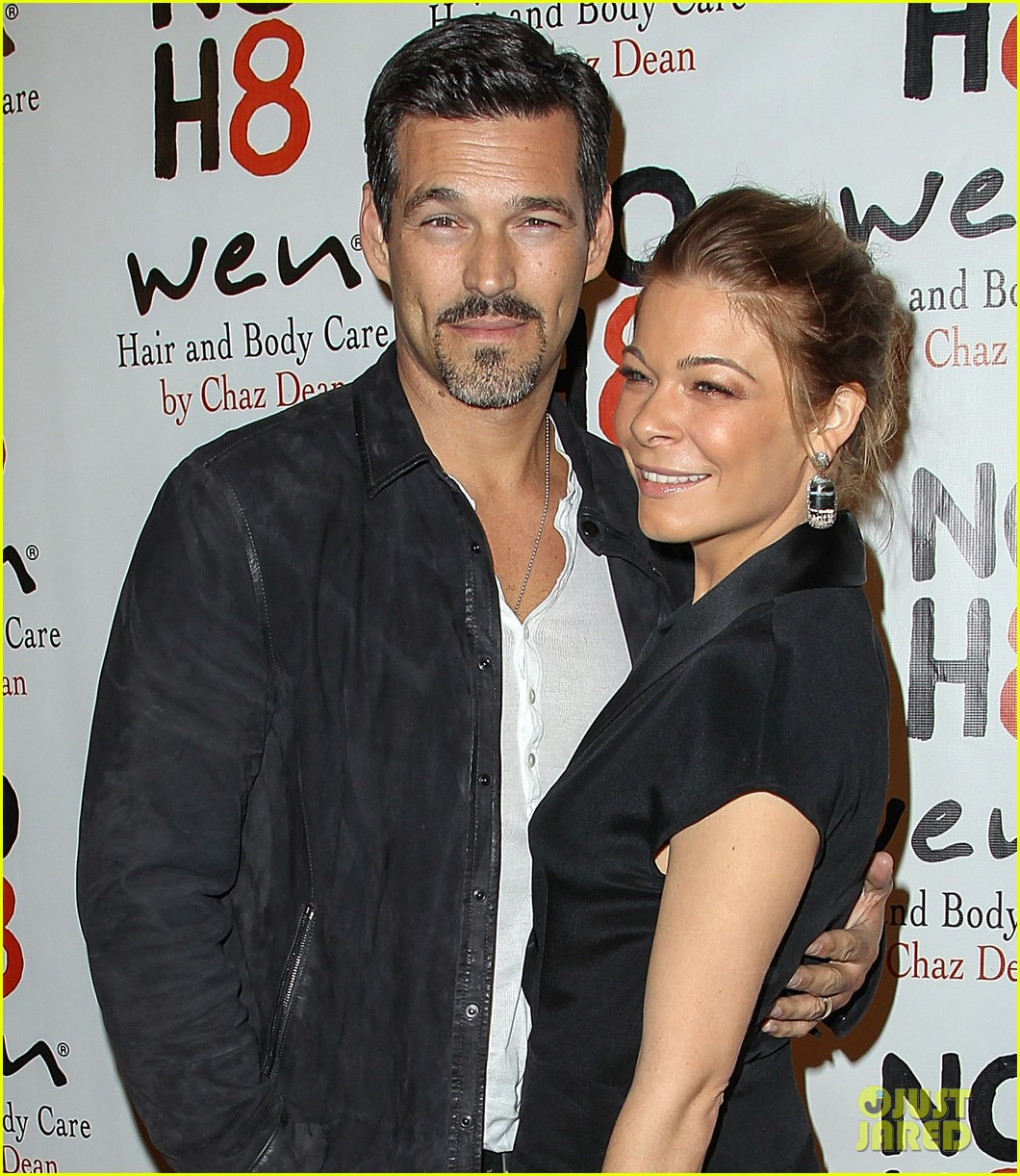leann rimes eddie cibrian noh8 party kisses 052775165