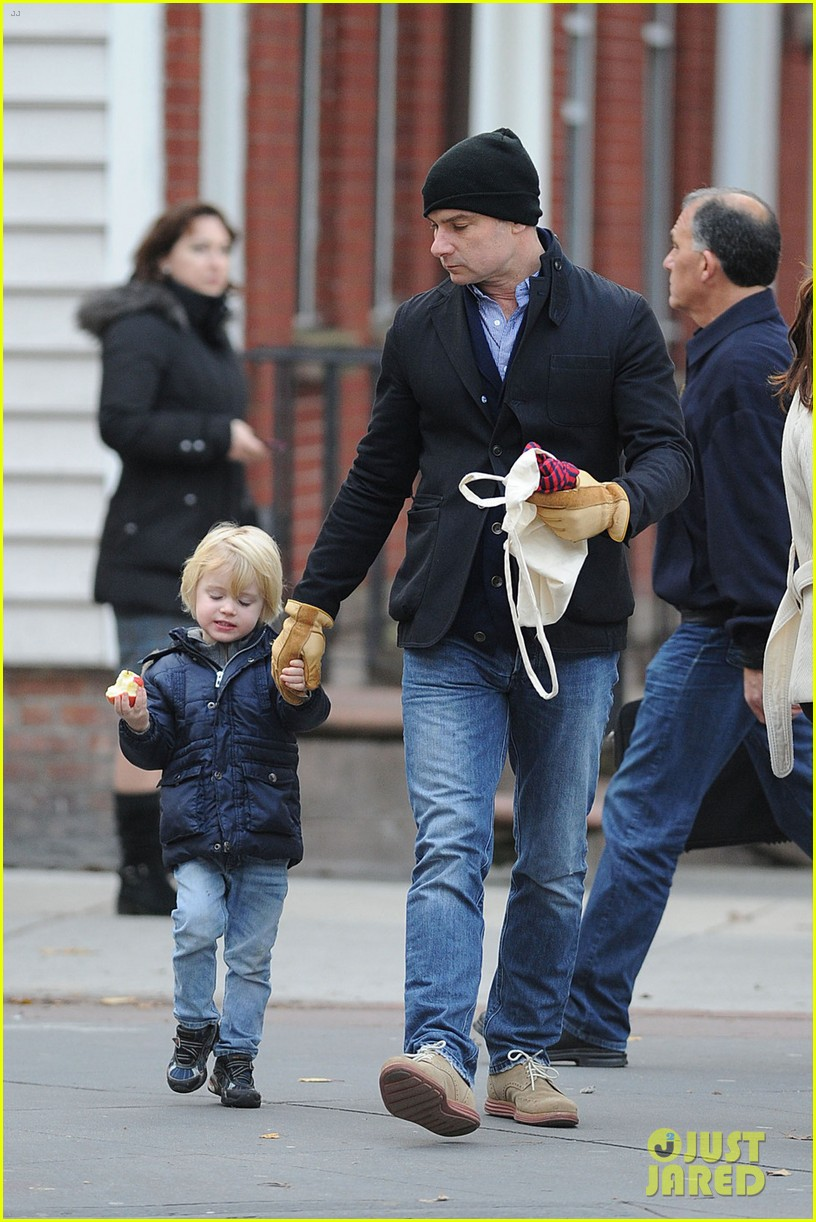naomi watts liev schreiber loves biking with the boys 022775816