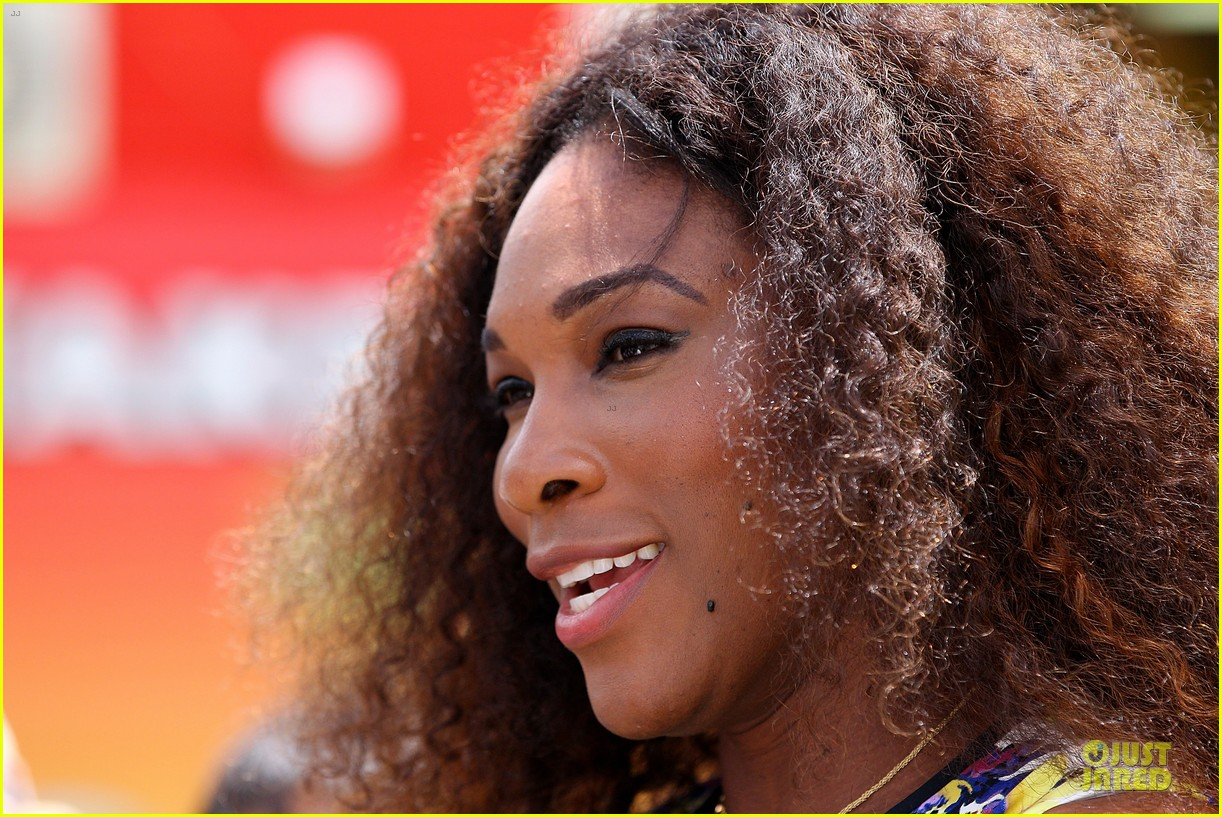 serena williams brisbane international arrival 15