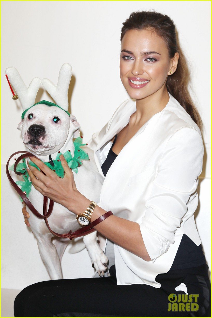 irina shayk aspca adoption center visit 04