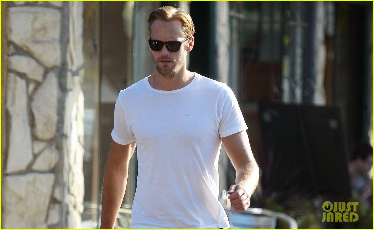 alexander skarsgard little doms lunch 032772424
